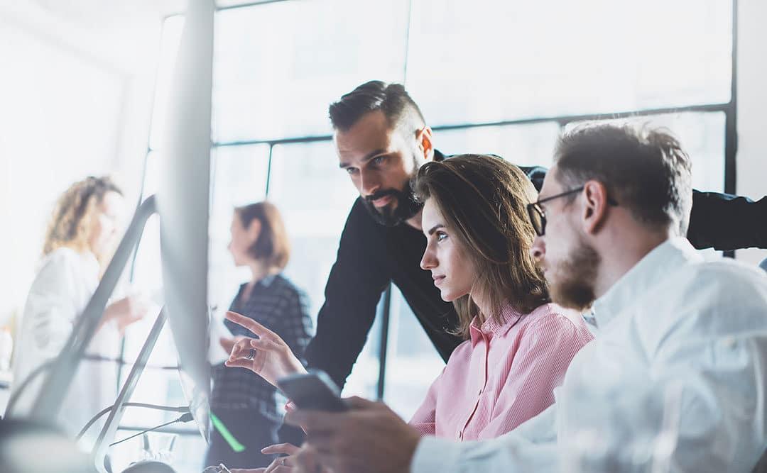 Den Arbeitsplatz der Zukunft einrichten und Mitarbeitermotivation steigern